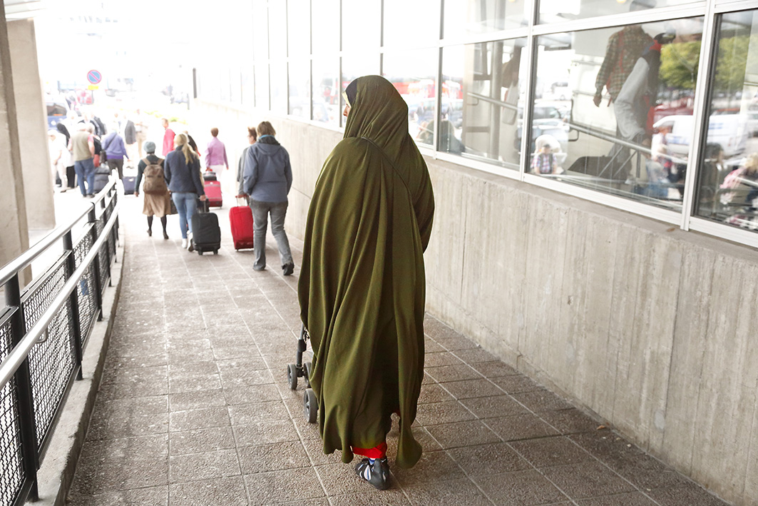 Musta Granny suku puoli Galleria
