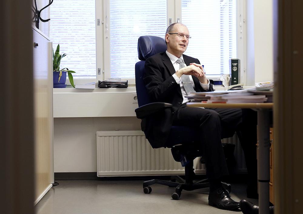 Nettiäänestysjärjestelmän sotkeminen palvelunestohyökkäyksellä olisi melko helppo toteuttaa, sanoo vaalijohtaja Arto Jääskeläinen. (Kuva: Liisa Takala)