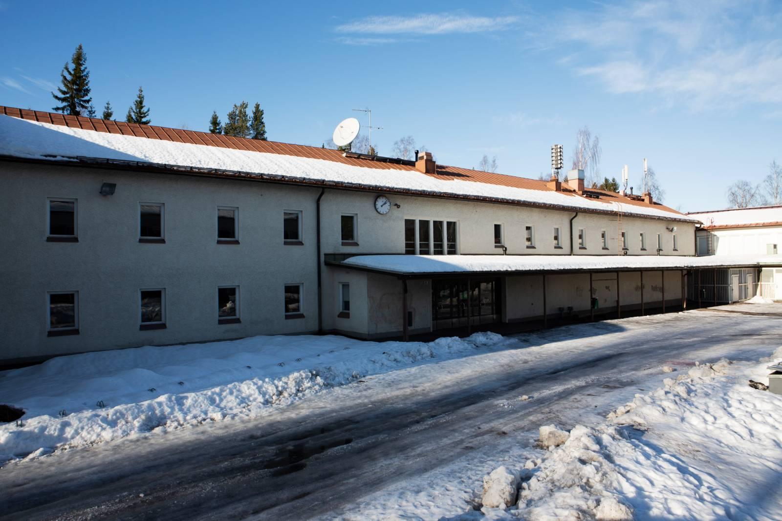 Korson koulun luminen piha
