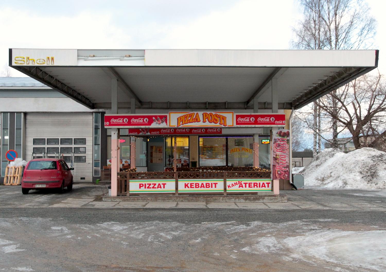 Entisen huoltoaseman tiloihin avattu pizzeria Outokummussa.