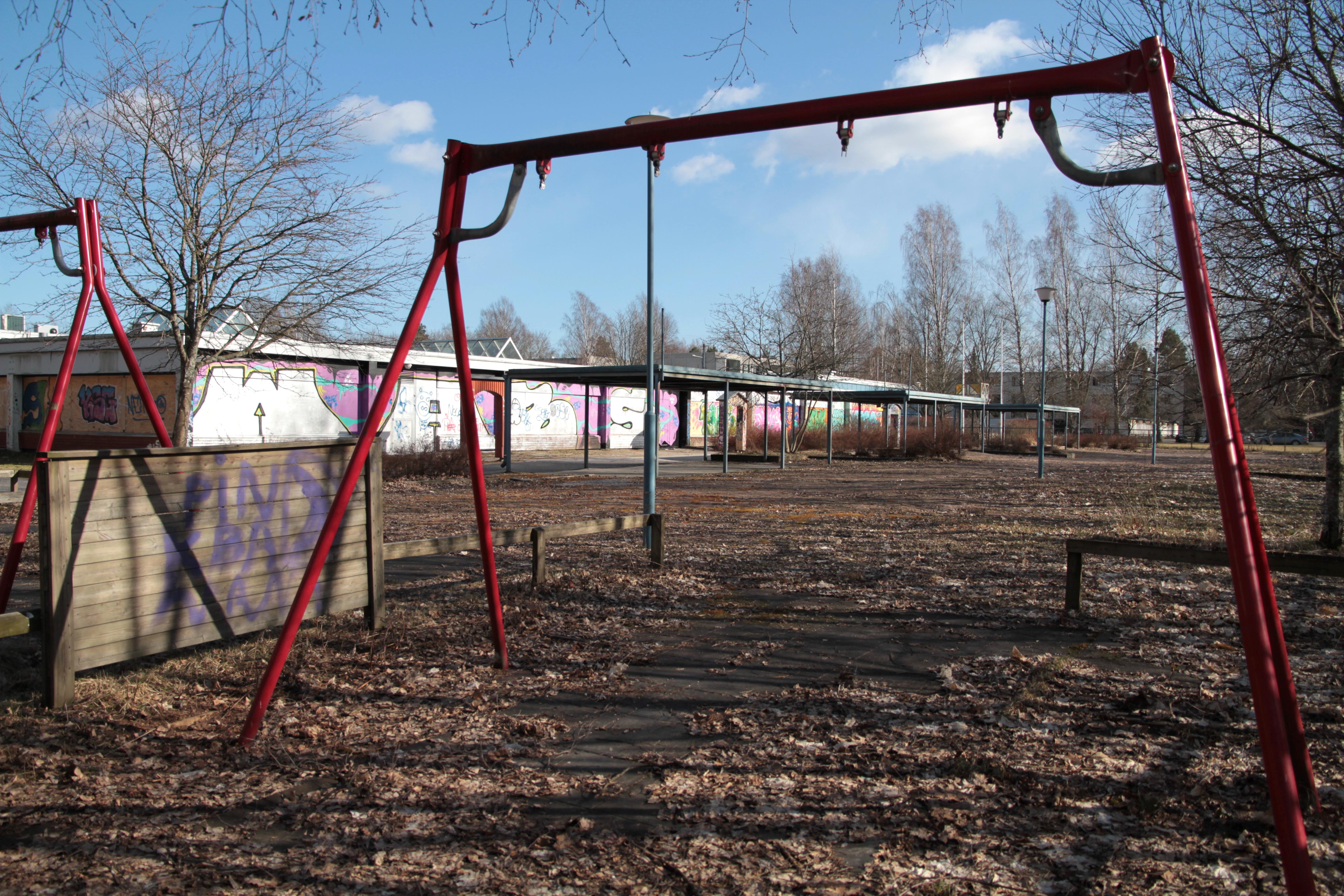 Autio, suljettu leikkipuisto Helsingin Siltamäessä