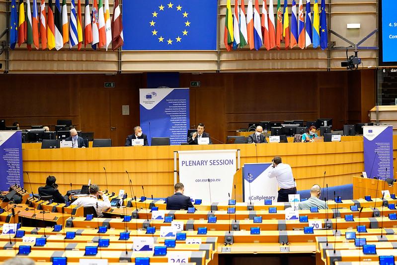 Alueiden komitean täysistunto Euroopan parlamentin täysistuntosalissa Brysselissä