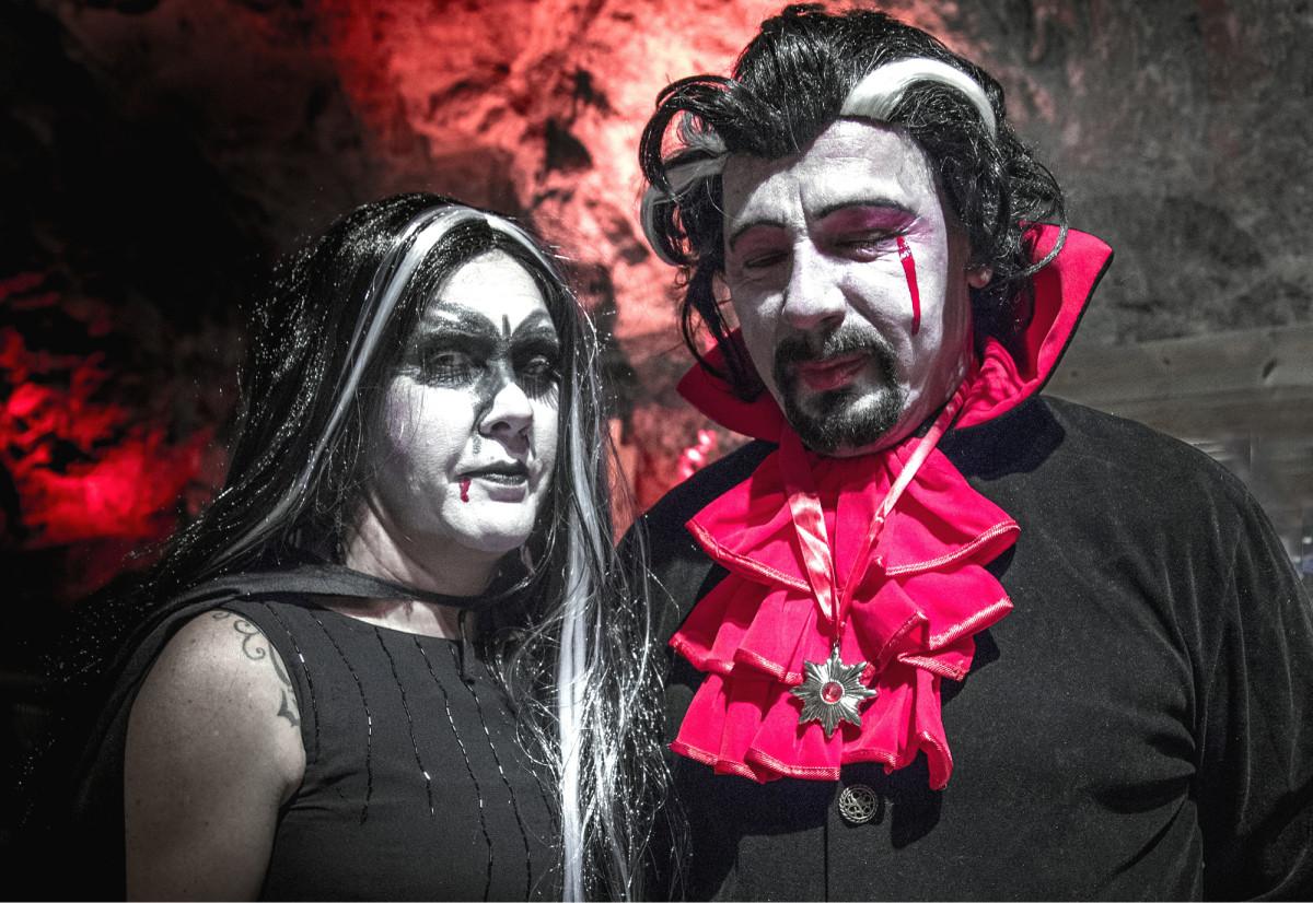 Lohjan Tytyrin kaivosmuseossa oli halloweenin aikaan vampyyreja.