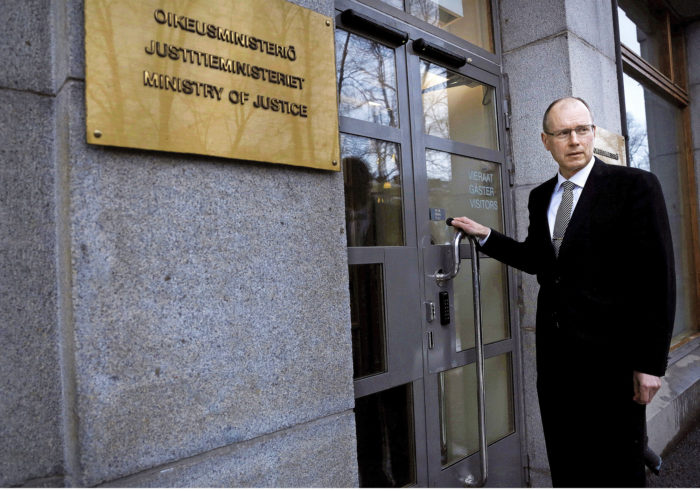 Arto Jääskeläisen työpaikka on oikeusministeriössä Etelä-Esplanadin varrella Helsingissä.