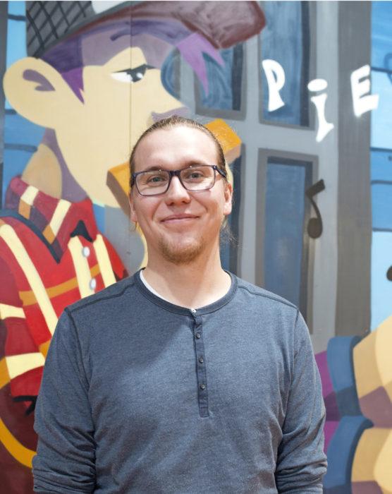 Tuomas Raatikaisen vetämässä mediapajassa tehdään kaupungin yksiköille muun muassa YouTube-videoita ja Webropol-kyselyjä. Lisäksi mediapajassa neuvotaan kuntalaisia digi-ongelmissa.