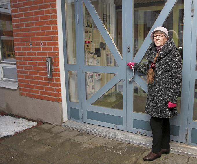 Inkeri Yritys valittiin Kittilän kunnanvaltuustoon neljä vuotta ennen kuin nykyinen kunnantalo valmistui vuonna 1988.